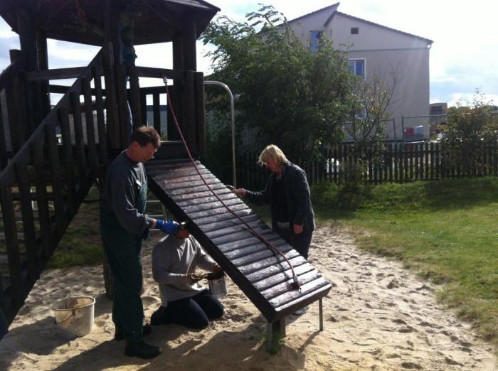 Arbeiten am Spielplatz Klatschmohnweg
