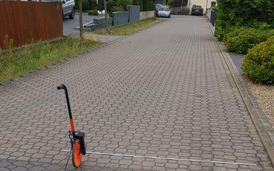 Straßenzustands-Begutachtung in Danndorf hat begonnen
